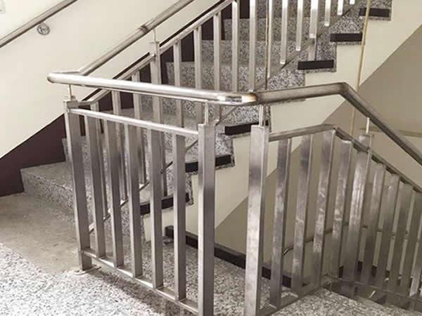高雄 不鏽鋼扶手及欄杆